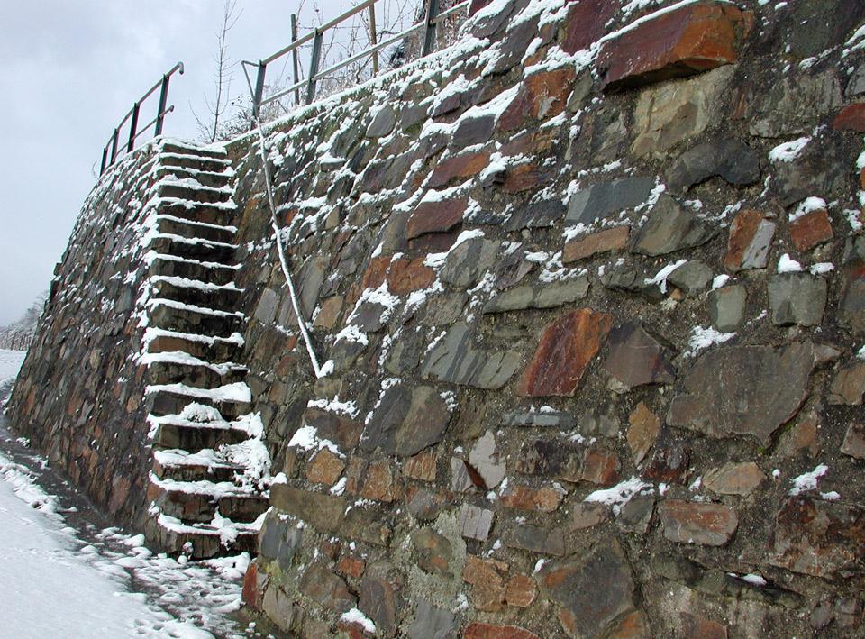 Weinbergstreppe im Schnee