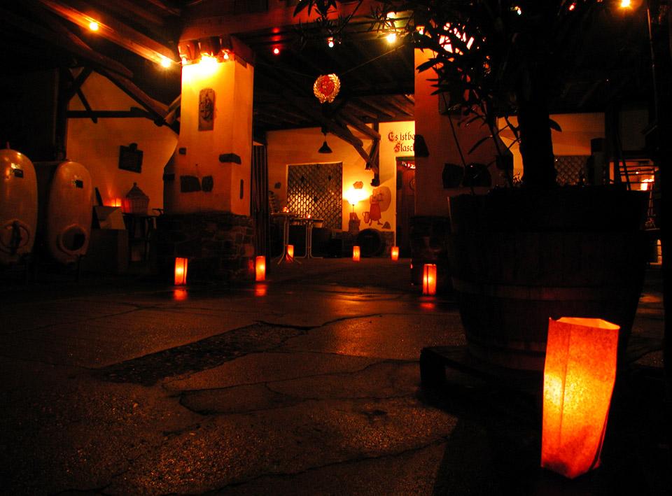 Abendstimmung im Weingut Broel