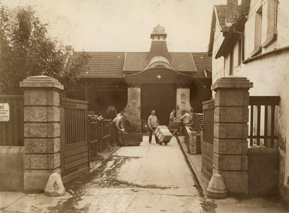 Weingut Broel in Rhöndorf - historische Aufnahme